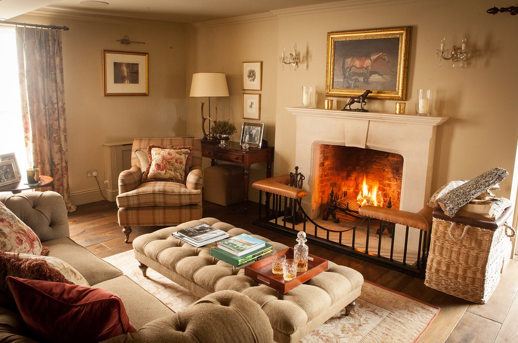 Cozy English And World Styled Sitting Room With: Decorate To Create A Warm And Cosy Home